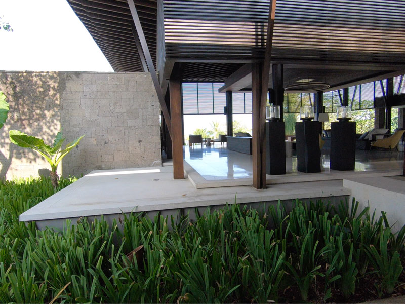 Soori Bali front entrance to reception lobby